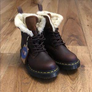 BNIB Dr. Martens KOLBERT winter boot